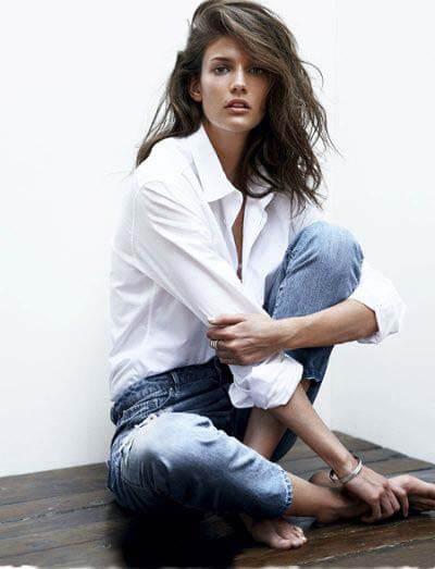 Chemise blanche pour femme et jean