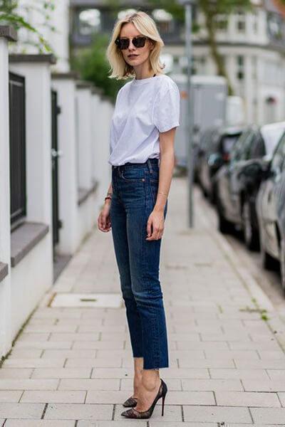 T-shirt loose blanc + jean brut + escarpins