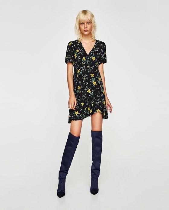 Recycler une petite robe d'été à l'automne