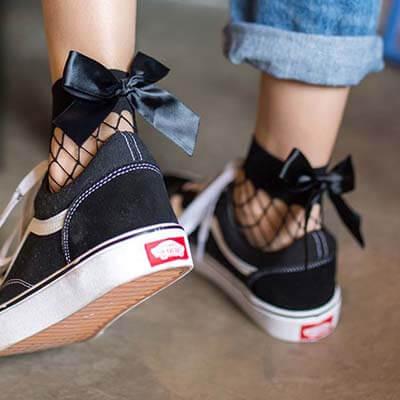 Looks stylés avec des chaussettes avec des baskets