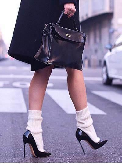 Looks stylés avec des chaussettes épaisses avec des escarpins