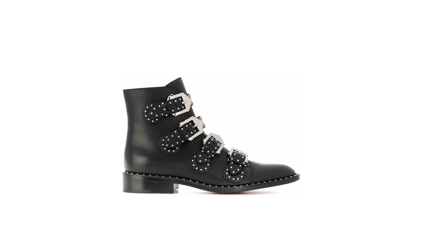Idées de tenues avec des boots rock, ici boots Givenchy.