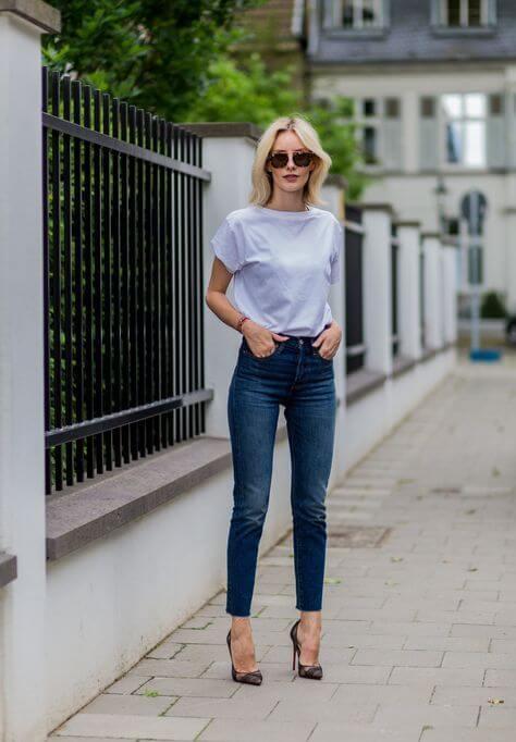 Jean brut t-shirt blanc escarpins
