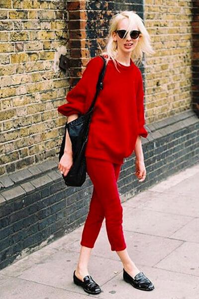 Tenue monochrome rouge- les couleurs