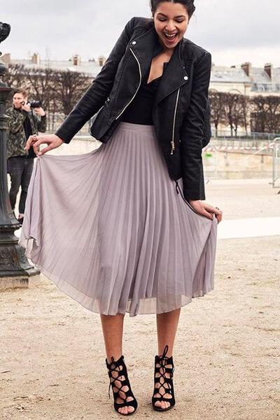 Perfecto et jupe longue plissée