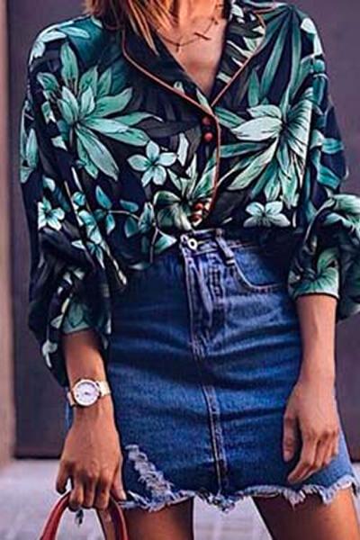 Jupe en jean et chemise imprimé floral