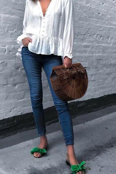 Skinny brut et blouse blanche
