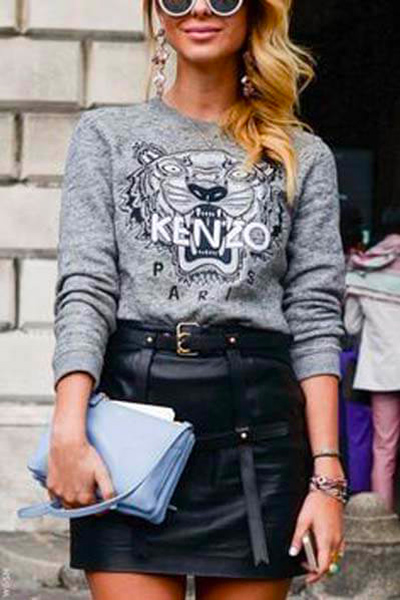 Sweat-shirt Kenzo Tigre gris et mini-jupe en cuir