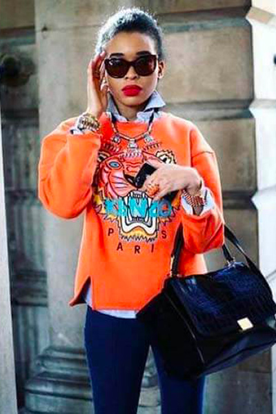Sweat-shirt Kenzo orange sur chemise en jean