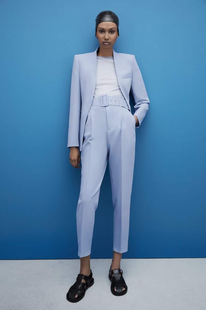 porter un tailleur femme bleu