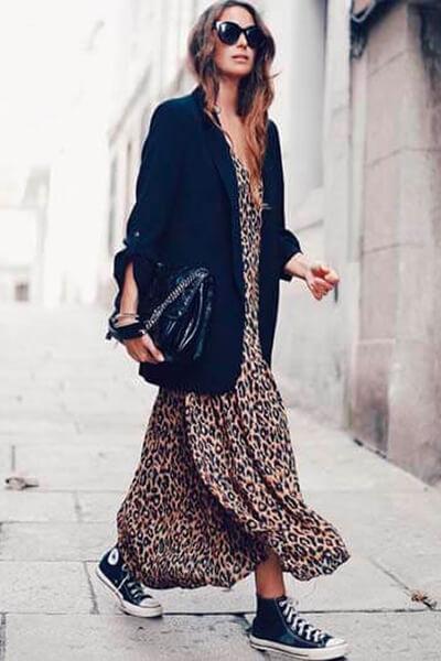 Tendances de mode - Converse robe longue léopard blazer