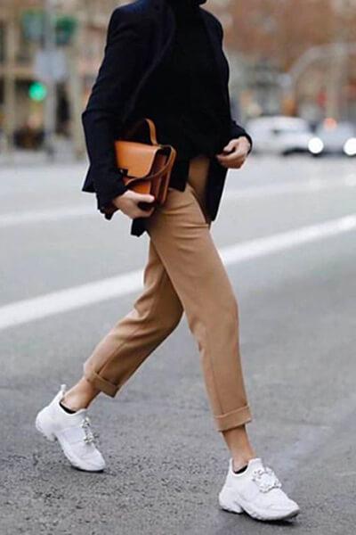 Tenue casual chic pantalon beige