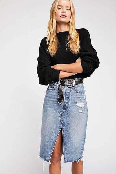 Jupe en jean et pull noir