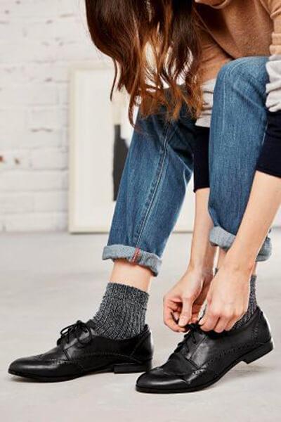Jean cropped et chaussettes fantaisie