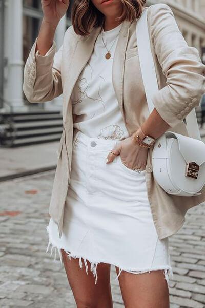 Jupe en jean et blazer neige